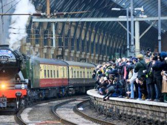 Contoh Dialog Percakapan Di Stasiun Kereta Api Dalam Bahasa Inggris